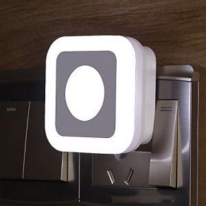 LongYu Nuit lumière LED Socket Alimentation Couloir Intelligent sans Fil contrôle de Corps capteurs lumière Douce en Plastique à économie d'énergie Blanc lumière Jaune lumière (Color : White Light)