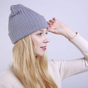 ZXYDDMW Bonnet d'hiver Chapeau pour Les femmesWinter Dames Bonnet Couleur Unie Droite rayé Curling Double Chaud Bonnet en Tricot Femmes Bonnet de Ski Classique réglable Gris Clair